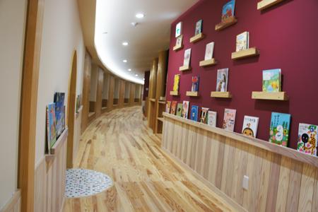 廊下|絵本の小道